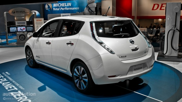 2013-naias-updated-nissan-leaf-is-made-in-usa-live-photos_10