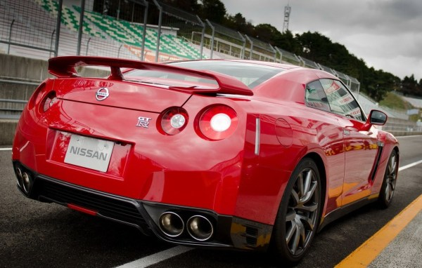 2014-Nissan-GTR-2