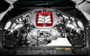 2014-nissan-gtr-engine-photo